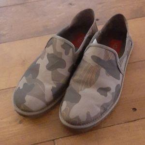 NWOT Ugg Men's Cooke Camo Slip On Loafer